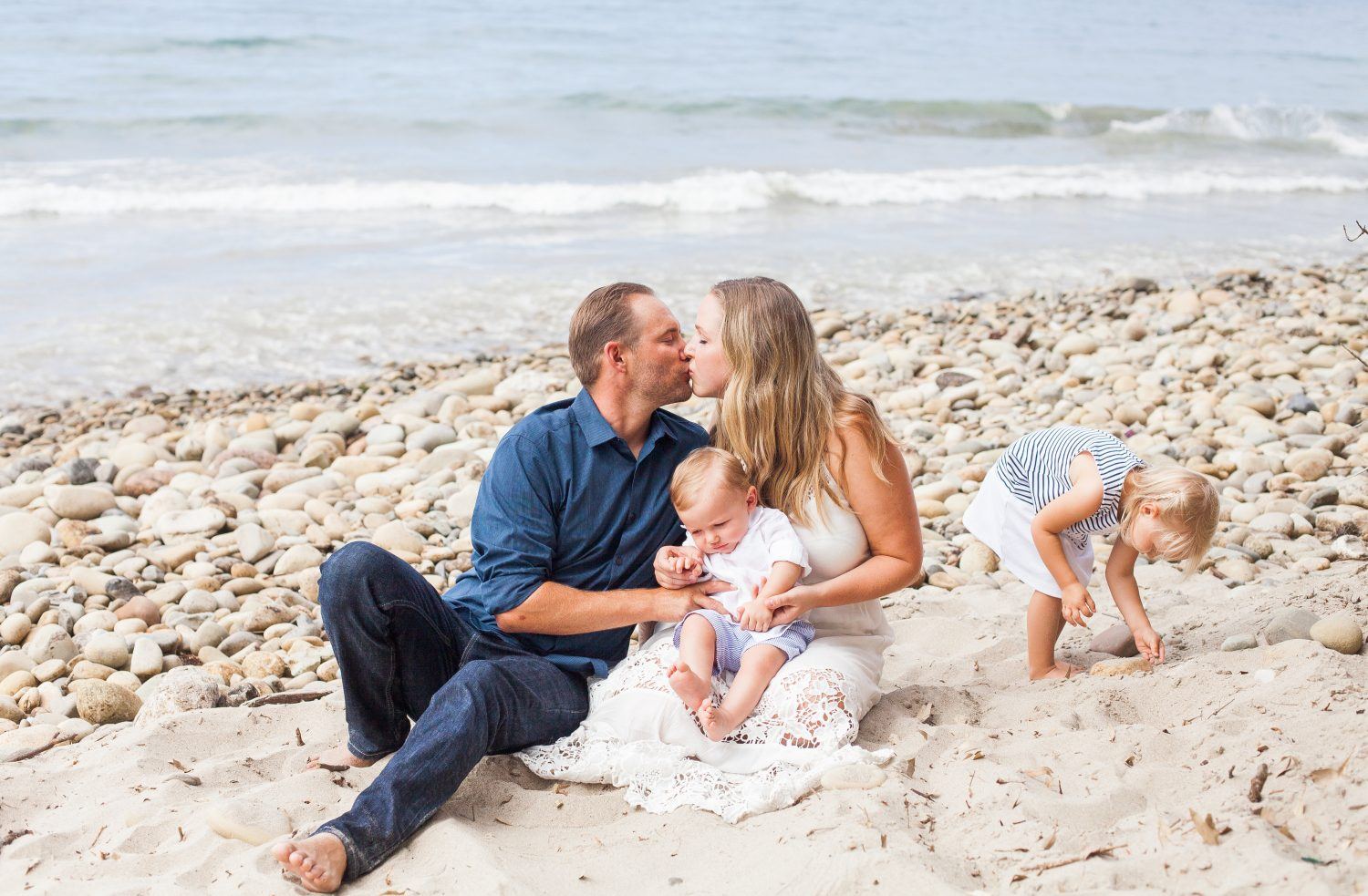 View More: http://elizabethluchtphotography.pass.us/walker-family-photos-2016